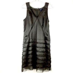 Gap Size 2 Dress Sleeveless Black V-Neck Sheath